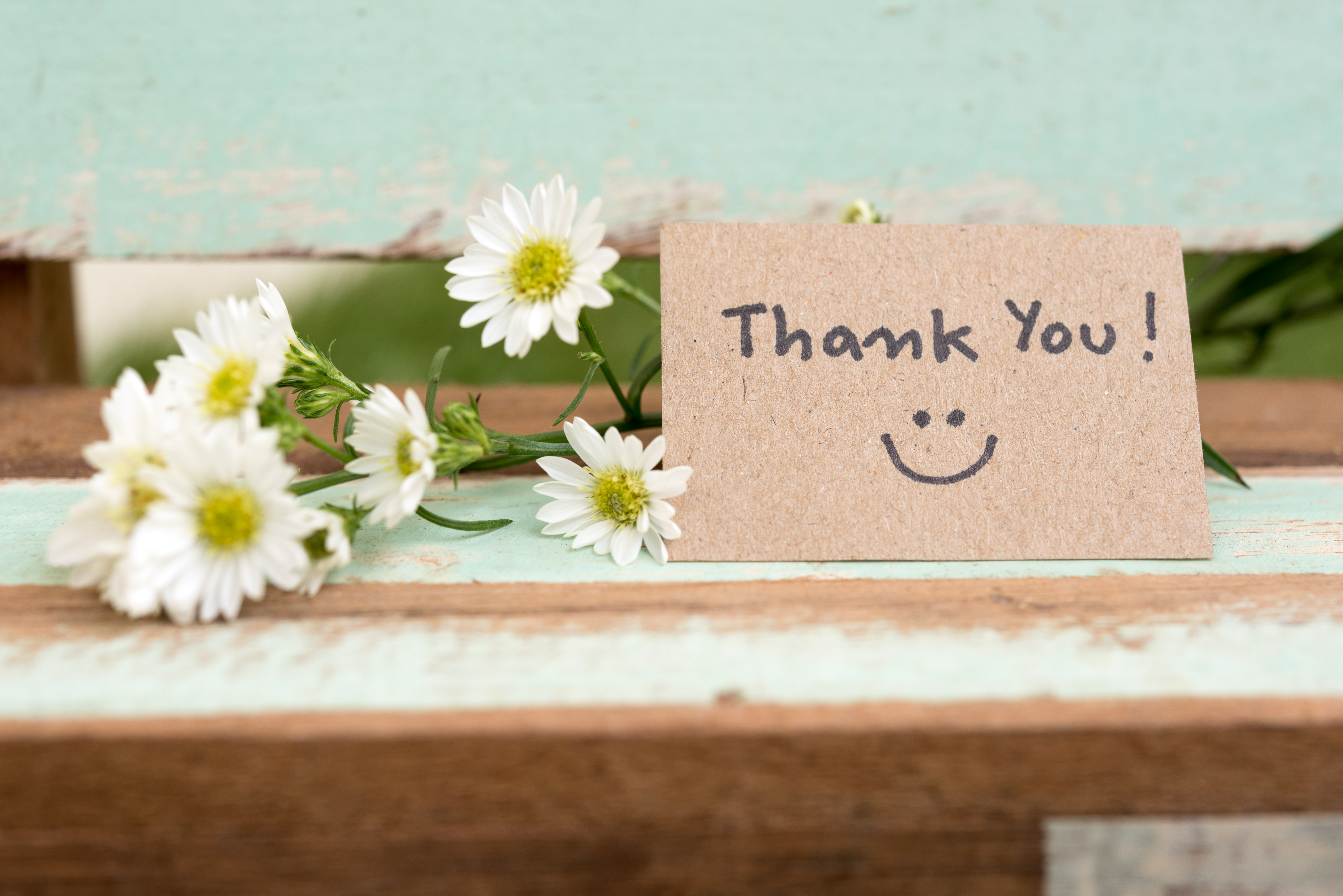 thank-you-note-with-smile-face-flower-cluster