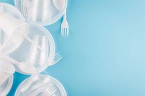 white-plastic-disposable-tableware
